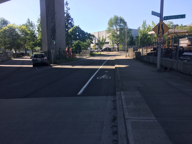 picture of bike lane starting on Airport way onto 7th Ave